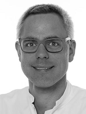 Herr Dr. med. Carl Schlenkhoff