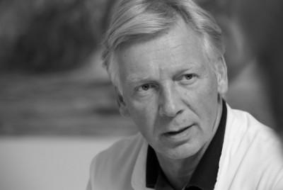 Prof. Dr. Stephan M. Freys
