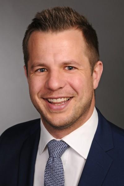 Dr. Oliver Loose